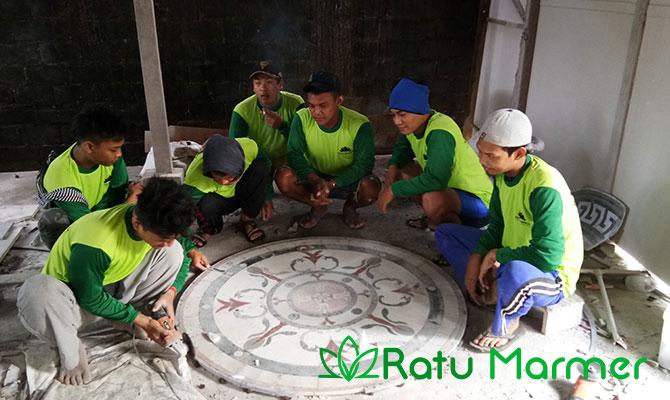 Proses Pengerjaan Motif Marmer